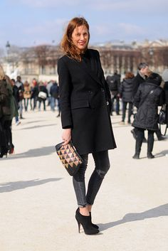it's all in the fit and form  basic black wool coat, skinnies and great heels!  [Helen Ectors]