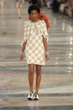Chanel Resort 2017 Fashion Show - Karly Loyce