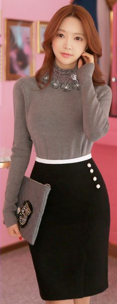 StyleOnme_White Button Detail Slim H-Line Skirt #black #pencilskirt #elegant #feminine #koreanfashion #kstyle #wintertrend #kfashion #seoul