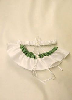 David`s Bridal Splendor Garter Set Style GTR618W $24.00