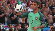 Keine Fragen erlaubt: Cristiano Ronaldo während des Spiels gegen Ungarn. (Quelle: imago/Newspix)