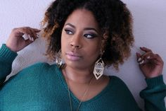 make up MUA natural hair ombre curls contour Vanity Bar, Ombre Hair, Contour, Curls, Natural Hair Styles, Make Up, Drop Earrings, Fashion, Contouring