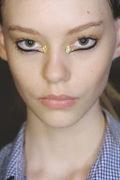 #Beauty trends: add-ons, Marchesa. View the full Spring 2013 Beauty report here: http://www.fashionmagazine.com/blogs/spring-beauty-2013/