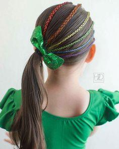 Hair Chalk Pens – Hair to Dream Easy Hairstyles For School, Creative Hairstyles, Straight Hairstyles, Girl Hairstyles, Braided Hairstyles, Kendall, Afro, Green Leotard, Hair Chalk
