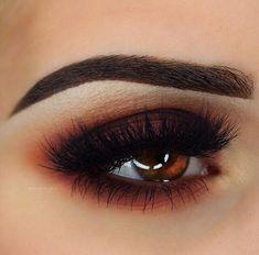 Warm and Dramatic Eye Makeup Idea