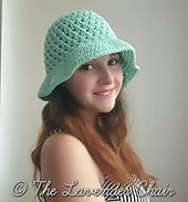 Get the free crochet pattern for this crossed double crochet sun hat by The Lavender Chair. Materials: I Crochet Hook. Crochet Beret Pattern, Crochet Cap, Crochet Beanie, Double Crochet, Single Crochet, Easy Crochet, Crochet Hooks, Free Crochet, Crochet Patterns