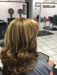 23 Ideas for nails design long layered hairstyles Medium Hair Styles, Curly Hair Styles, Long Layered Hair, Great Hair, Hair Today, Hair Highlights, Hair Dos, Hair Hacks, Hair Lengths