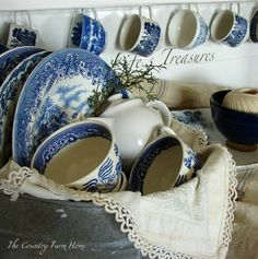 Blue Transferware piled together looks like it is ready for tea time. Vintage and Antique blue transferware mix and match really well. ~ Mary Walds Place - The Country Farm Home: Winter Blues With a 25 cent Find Blue And White China, Blue China, Love Blue, Blue Dishes, White Dishes, Blue Onion, Willow Pattern, Country Farm, French Country