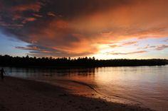Sunset at The Shadow Surfcamp / Mentawai / Indonésia