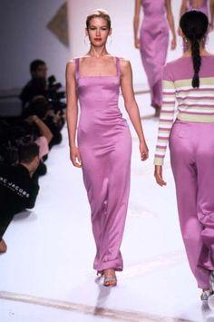 Purple dress Carolina Herrera - Ready-to-Wear - Runway Collection - WomenFall / Winter 1997