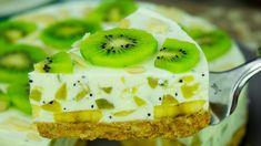 A delicious, low-calorie cake, without baking! Kiwi and banana yoghurt cake . Banana Recipes, Cake Recipes, Dessert Recipes, Kiwi Cake, Low Calorie Cake, Kiwi And Banana, Yogurt Cake, Christmas Desserts, Yummy Cakes