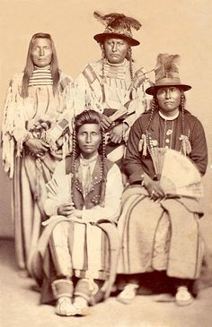 An old photograph of Nez Perce Men.