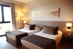 CONFORT ROOM Agradables i confortables **  Agradables y confortables ** Cozy and comfortable ** Agréables et confortables    #montanyahotel #relax #travel #hotel #barcelona #montseny #room
