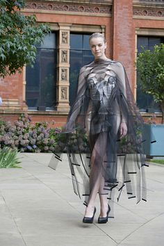 Central St Martins Graduates 2008, Fashion in Motion