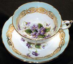 Paragon Plum Violets Blue Tea Cup and Saucer Teacup Tea Cup Set, My Cup Of Tea, Tea Cup Saucer, Tea Sets, China Cups And Saucers, Teapots And Cups, Teacups, Café Chocolate, Antique Tea Cups