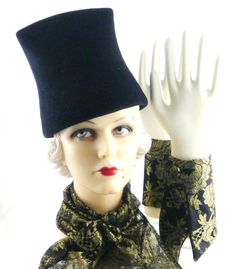 Art Deco 1930 Sculptured Black Fur Felt Velour Hat by HatArtists