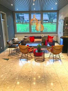 Van Treese Design & Consulting – bringing your style to life. Office Interior Design, Office Interiors, Outdoor Furniture Sets, Outdoor Decor, Zurich, Home Projects, Living Room Decor, Budget, Van
