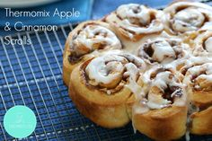 Our Thermomix Apple & Cinnamon Scrolls take only 10 minutes to prepare, need no proving time at all. and of course, taste great! Perfect for morning tea! Apple Cinnamon Bread, Cinnamon Butter, Apple Butter, Cinnamon Apples, Thermomix Bread, Thermomix Desserts, Cinnamon Scrolls, Cooking Time, Cooking Recipes