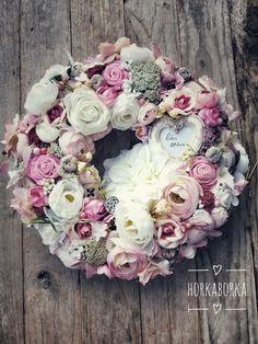Tavaszi ajtódísz Diy And Crafts, Floral Wreath, Easter, Wreaths, Spring, Creative, Flowers, Handmade, Home Decor