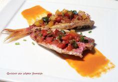 Salmonetes con salsa de pimiento rojo