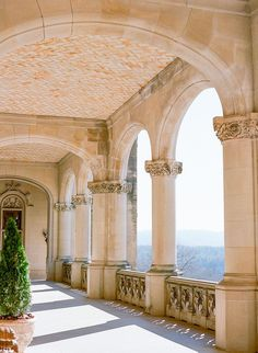 Biltmore Estate in Asheville — Lauren Galloway Photography Real Estate Photography, Photography Flyer, Wedding Photography, Photography Editing, Photography Business, Photography Ideas, Beautiful Architecture, Classical Architecture, Future House
