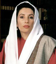 Benazir Bhutto, foi uma política paquistanesa, duas vezes primeira-ministra de seu país, tornando-se a primeira mulher a ocupar um cargo de chefe de governo deum Estado muçulmano moderno. Era filha do primeiro-ministro Zulfikar Ali Bhutto deposto e executado em 1979.  A sua carreira política foi bastante conturbada por deposição, exílio, volta ao país e,  finalmente assassinada em 2007 em  ataque suicida de um homem bomba,