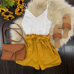 Fashion Tips Shirts .Fashion Tips Shirts Teen Fashion Outfits, Short Outfits, Trendy Outfits, Boho Fashion, Girl Fashion, Modest Fashion, Fashion Tips, Summer Outfits For Teens, Spring Outfits