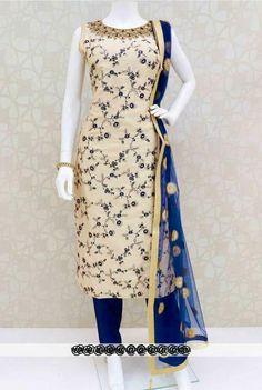 Indian Gowns Dresses, Indian Fashion Dresses, Indian Designer Outfits, Indian Outfits, Designer Dresses, Kurti Designs Party Wear, Kurta Designs, Blouse Designs, Kurti Patterns
