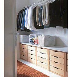 Se o orçamento ou o prazo estão curtos, que tal um closet com módulos pron...