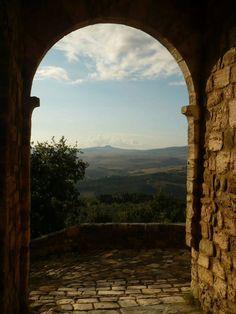 Radicofani vista da Vignoni Alto, tuscany