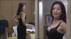 김희애, 속옷만 입고 '아찔하게'