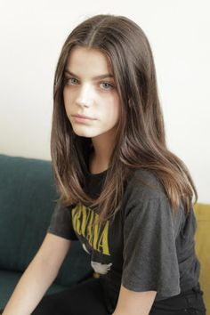 Picture of Sonia Ben Ammar Cabelo Inspo, Androgynous Haircut, Edgy Haircuts, Medium Long Haircuts, Short Dark Hair, Texturizer On Natural Hair, Peinados Pin Up, Jolie Lingerie, Trending Hairstyles
