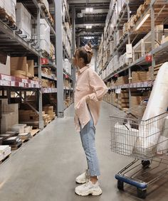 Casual Outfits, Cute Outfits, Fashion Outfits, Spring Summer Fashion, Autumn Winter Fashion, Portrait Photography Poses, Outfit Goals, Korean Fashion, Ikea