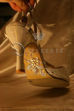 This GEM SOLE for bridal.  -from DIFERENTE-tokyo tango clothes-.