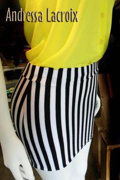 Falda a rayas B/N silueta ajustada