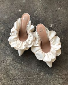 in Ivory -Stell Mule in Ivory - ‪This is how you sprinkle fabulous on your look. Get your look to slay 😍🔥 😍💛 Marie Antoinette Heels Shoes Rococo Baroque Fashion Costume Cute Shoes, Me Too Shoes, Women's Shoes, Shoes Style, Shoes Sneakers, Bridal Shoes, Wedding Shoes, Wedding Bride, Spring Shoes