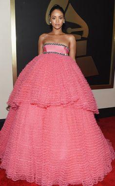 Rihanna Dress, Mode Rihanna, Rihanna Red Carpet Dresses, Rihanna Fenty, Sheer Dress, Tulle Dress, Strapless Dress Formal, Dress Up, Beauty