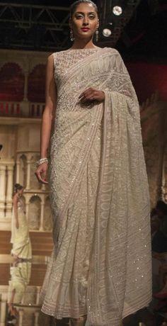 Sophisticated designer blouses for silk sari Want to know mo.- Sophisticated designer blouses for silk sari Want to know mo…- Sophisticated designer blouses for silk sari Want to know more - - Trendy Sarees, Stylish Sarees, Indian Dresses, Indian Outfits, Pakistani Outfits, Sari Bluse, Designer Sarees Wedding, Indie Mode, Modern Saree
