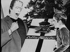 The Munsters ~ Herman Munster (Fred Gwynne) Eddie Munster (Butch Patrick) Christmas Past, Little Christmas, Xmas, Christmas Bells, Christmas Greetings, Munsters Tv Show, The Munsters, Herman Munster, Vintage Hollywood