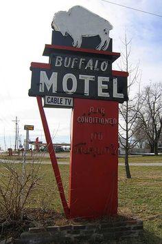 Buffalo Motel Sign.....Buffalo, MO