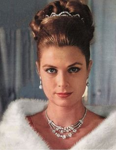 Princess Grace, quite possibly one of the most beautiful women to ever walk the earth, such a classic beauty.