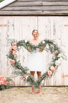 Every Valentine's Day deserves a little extra dose of pretty, so today we are upping the ante with a gorgeous floral heart inspiration shoot from Hunter Valley. Crafted by a fabulous team of vendors, including Rachel Gilbert, Hochzeitswahn and Patricia Hau Photography, it's lush blooms meets pretty,