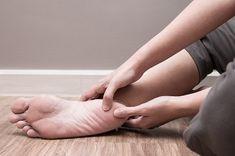 Bolesť nôh v tehotenstve - oTehotenstve. Holding Hands