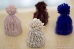 Gorritos de lana para el arbolito o tarjetas de regalo