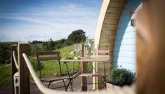 13 Amazing Treehouse Holidays With a Hot Tub in the UK [2021] Lake Wanaka, Lake Tekapo, Beautiful Places To Visit, Beautiful Beaches, Woolacombe Beach, Devon Coast, Seaside Resort, Bungee Jumping, Treehouses