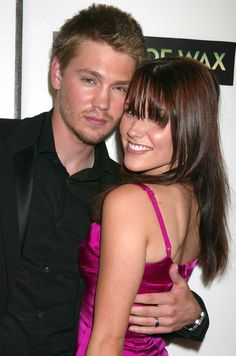 Pin for Later: 25 CW Costars Who Hooked Up in Real Life Chad Michael Murray and Sophia Bush