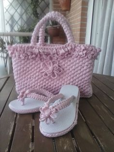 Moccasins womens Blue Linen – shop online on Livemaster with shipping - GBUKFCOM Crochet Shoes Pattern, Bag Crochet, Crochet Sandals, Crochet Purses, Crochet Slippers, Crochet Stitches, Crochet Patterns, Crochet Cats, Crochet Birds