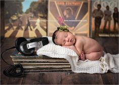 Music lover! Adorable, baby girl  with daddy's vintage records, DJ headphones baby photos, Newborn photo session ideas & props. Baby photography Newborn photographer Melissa Landres_0359