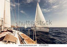 Yacht Photos et images de stock   Shutterstock
