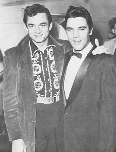 This is so cool my favorite singer Johnny Cash and my grandmothers favorite singer Elvis Presley in the same photo...I love it
